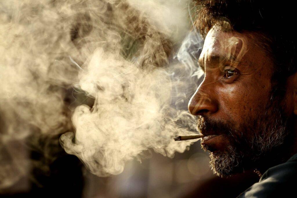 Зависимость от курения марихуаны (1)